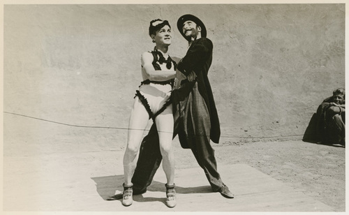 Download the full-sized image of Two performers posing
