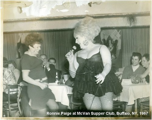Download the full-sized image of Ronnie Paige at McVan Supper Club